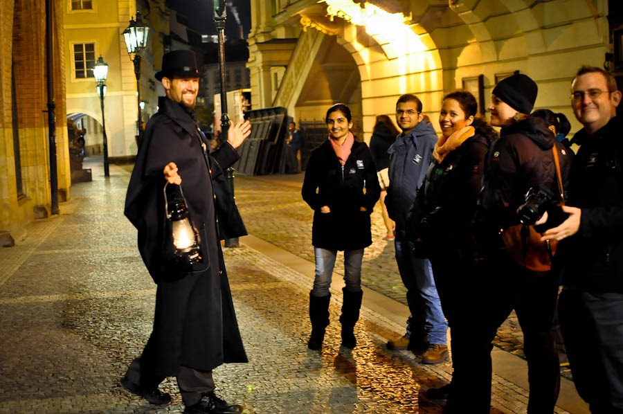 ghost-tour-prague-group