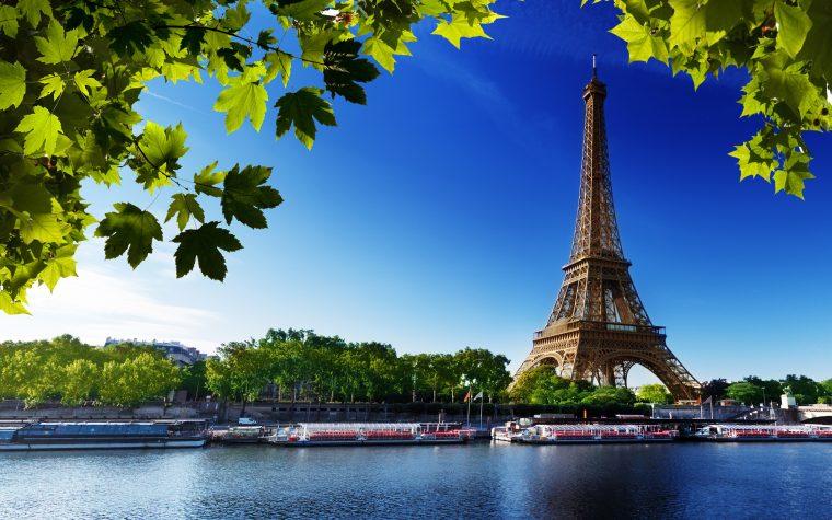 Cum zbori în cuplu la Paris fara sa intri in faliment? Cu bilete cumpărate doar azi de la Wizz