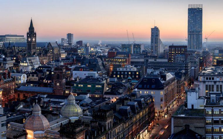Merita sau nu sa vizitezi Manchester?